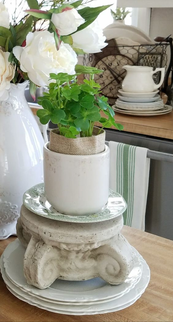 Brocante farmhouse style using floral arrangements