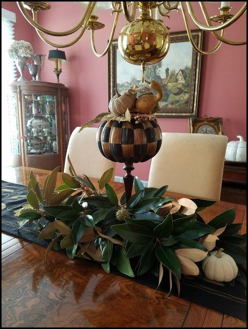 Elegant fall dining room