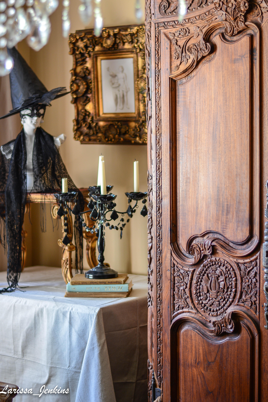 Hauntingly Beautiful Halloween Decorating Ideas