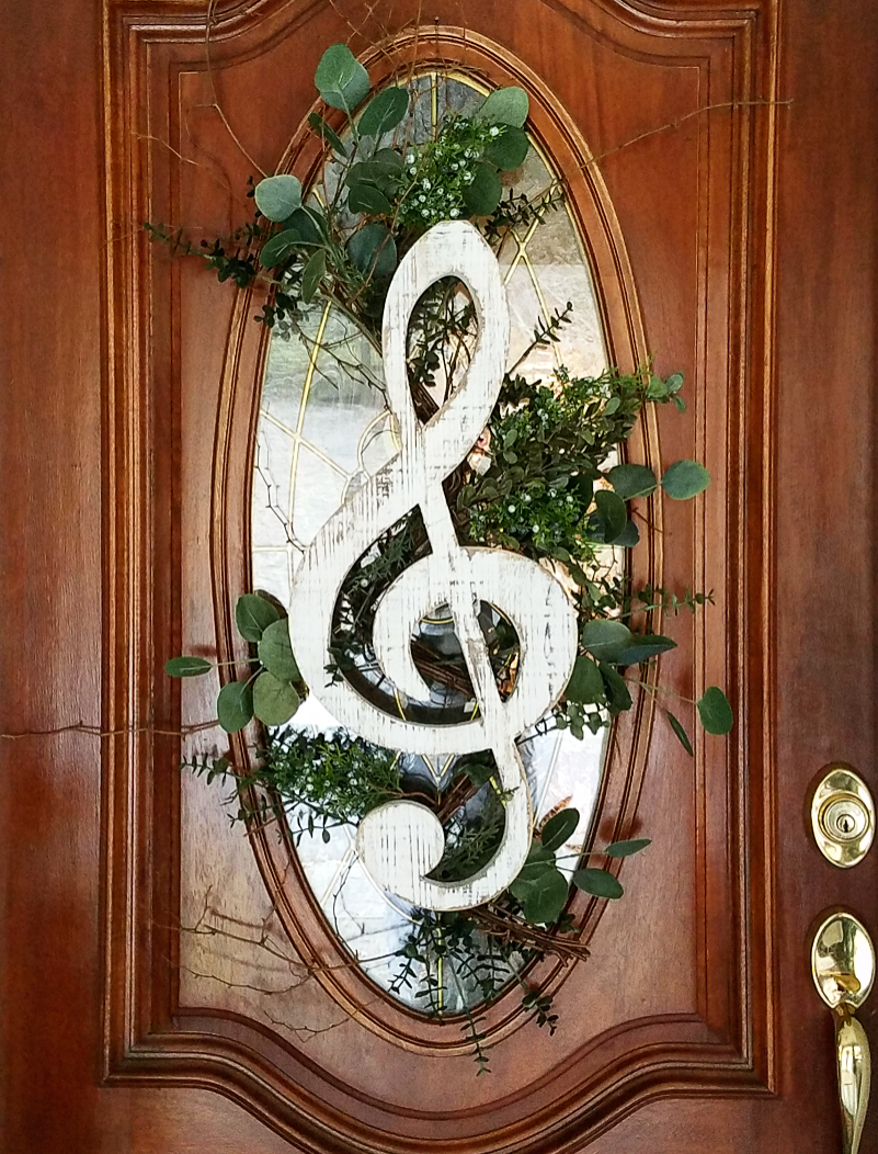 Creative music themed wreath front door decor