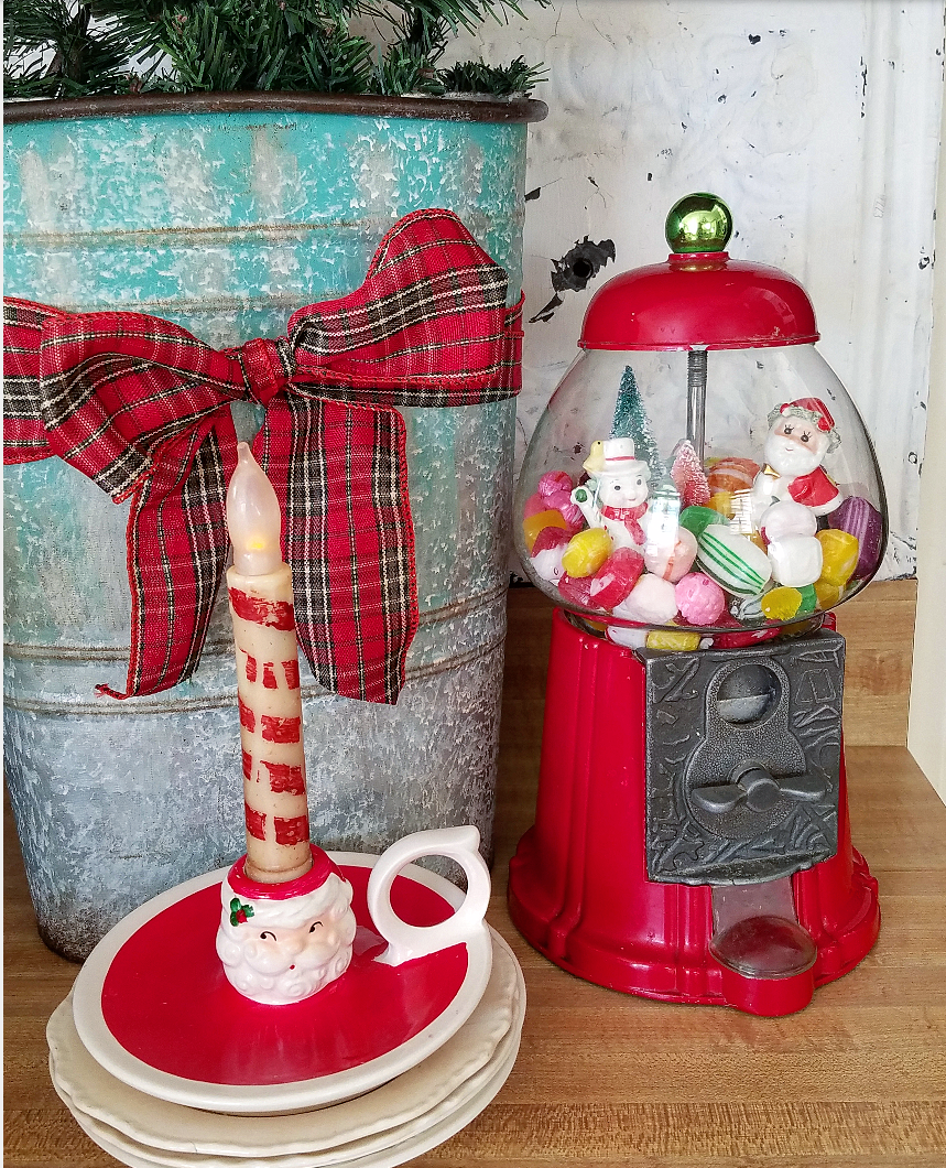 Cute gumball machine Christmas Chloche
