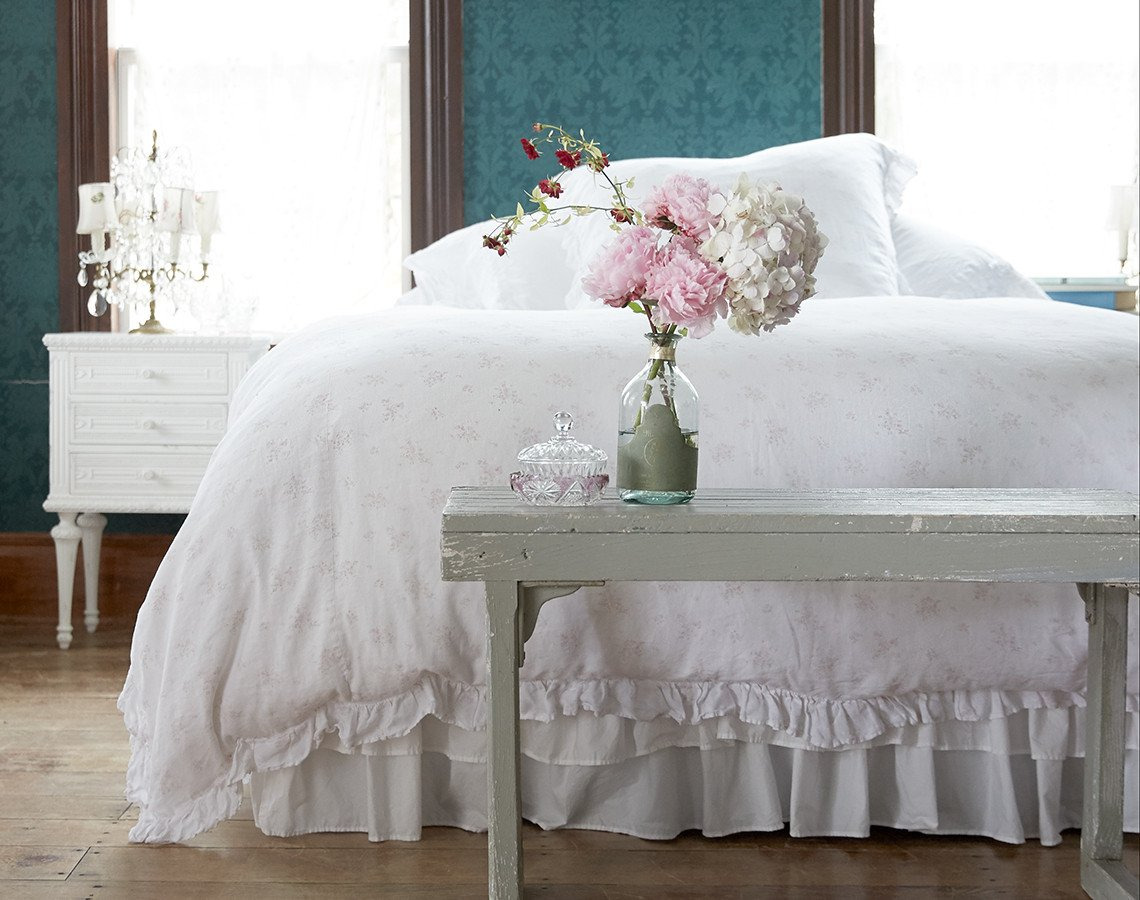 Stunning Rosabelle Bedding by Rachel Ashwell Shabby Chic Bedding Vintage Bedroom