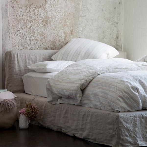 Rachel Ashwell Soho bed