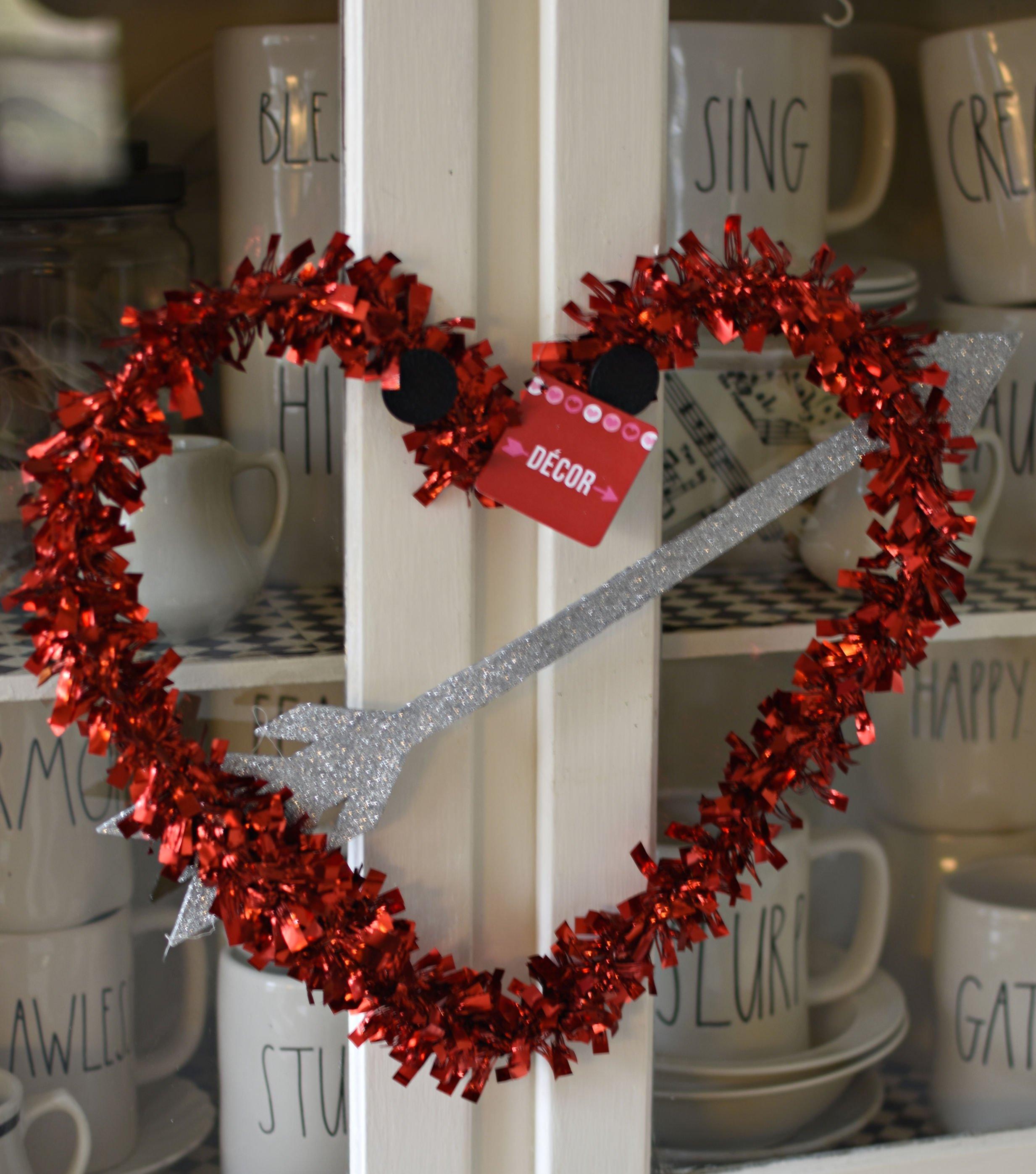 Follow The Yellow Brick Home Diy Shabby Farmhouse Heart Rag Wreath Valentine S Day Wreath