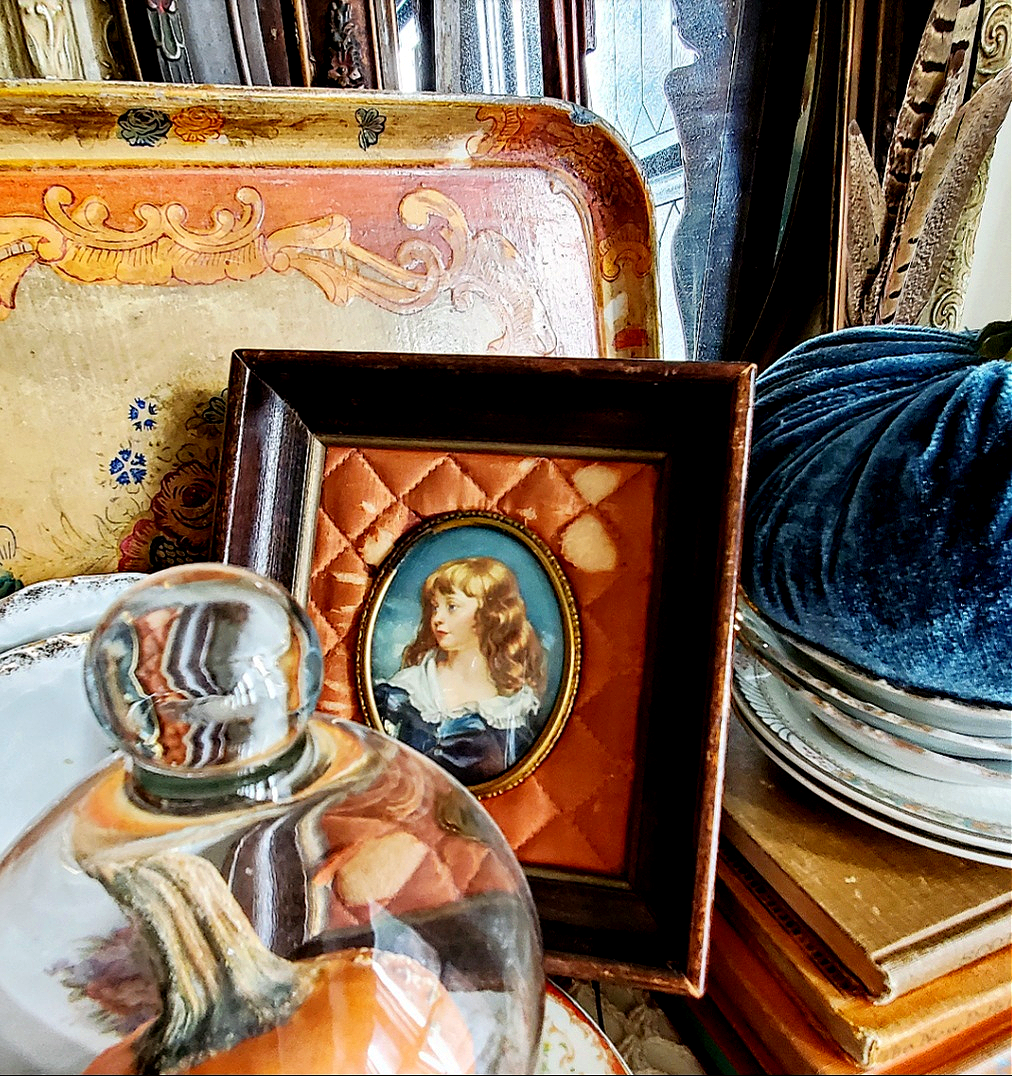 Unique Vintage Fall Vignette Orange quilted cameo