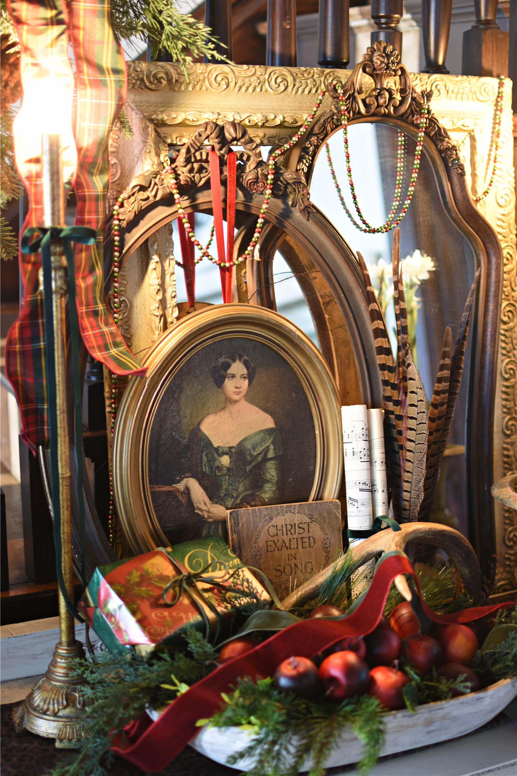 Victorian Christmas Decorating Ideas Traditional Christmas decorating with gold, red, green and plaid. Vintage Christmas vignette. Old World Christmas decorating.