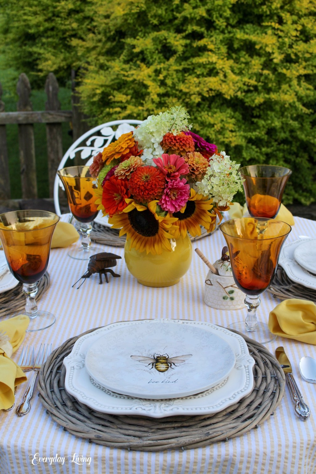 bees tablescape with sunflowers
