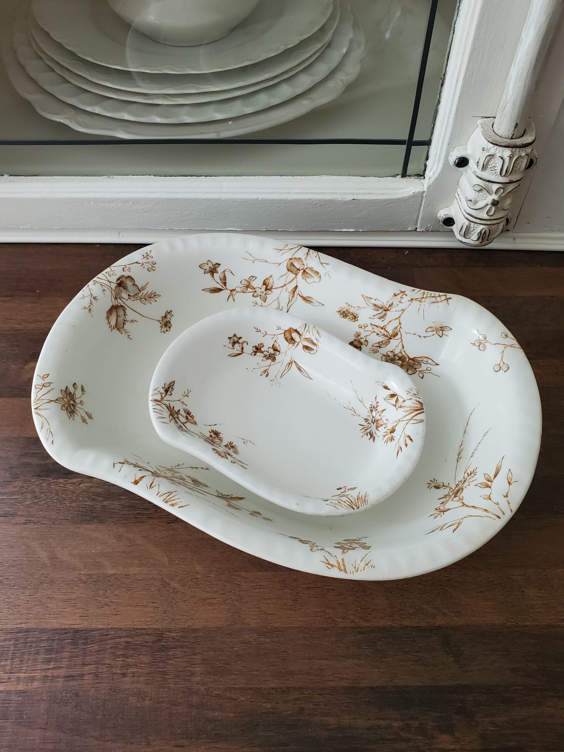 Brown transfeware nesting bowls