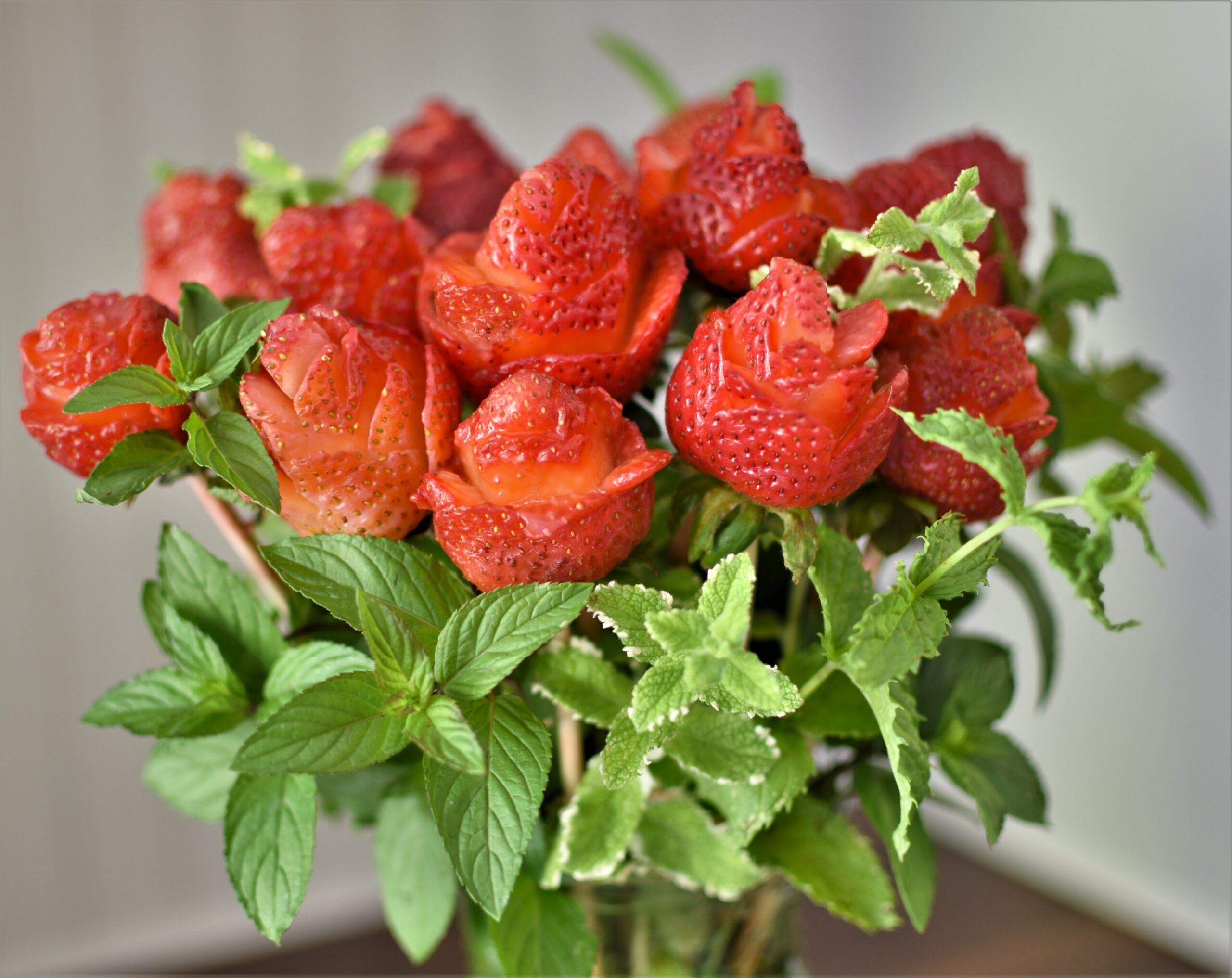 elegant strawberry roses bouquet how to make strawberry roses